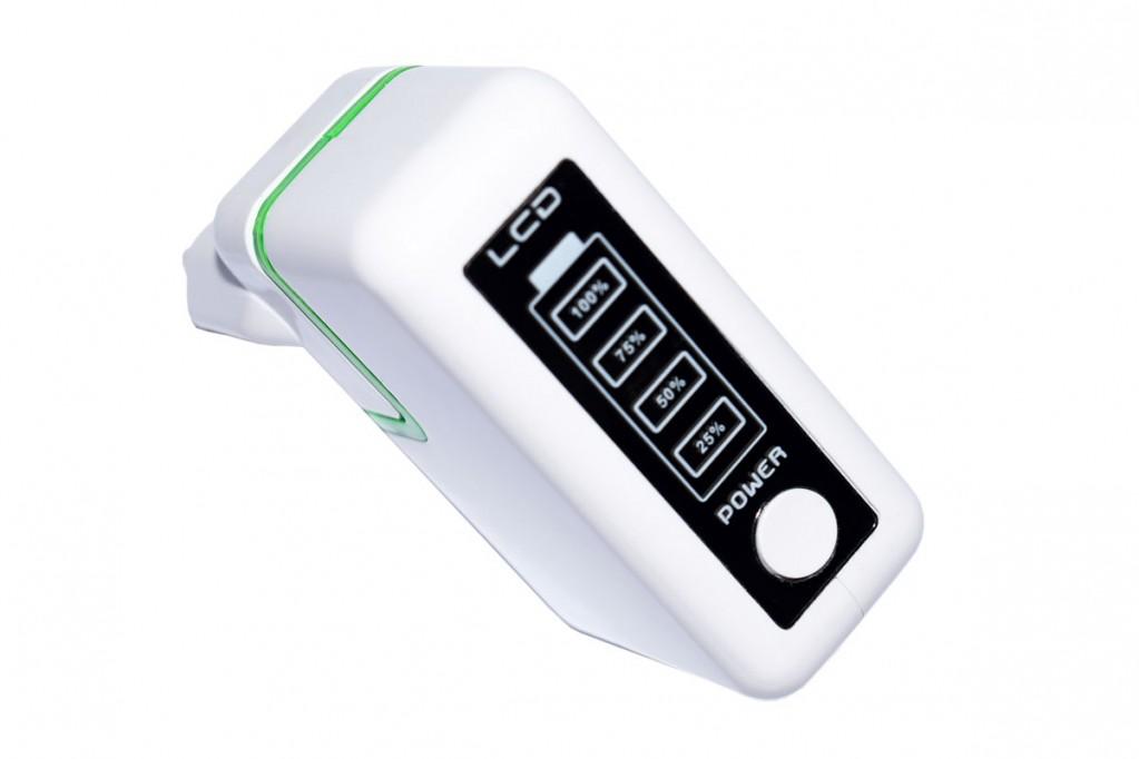 Foto 3 do produto Power bank com visor e conector de tomada