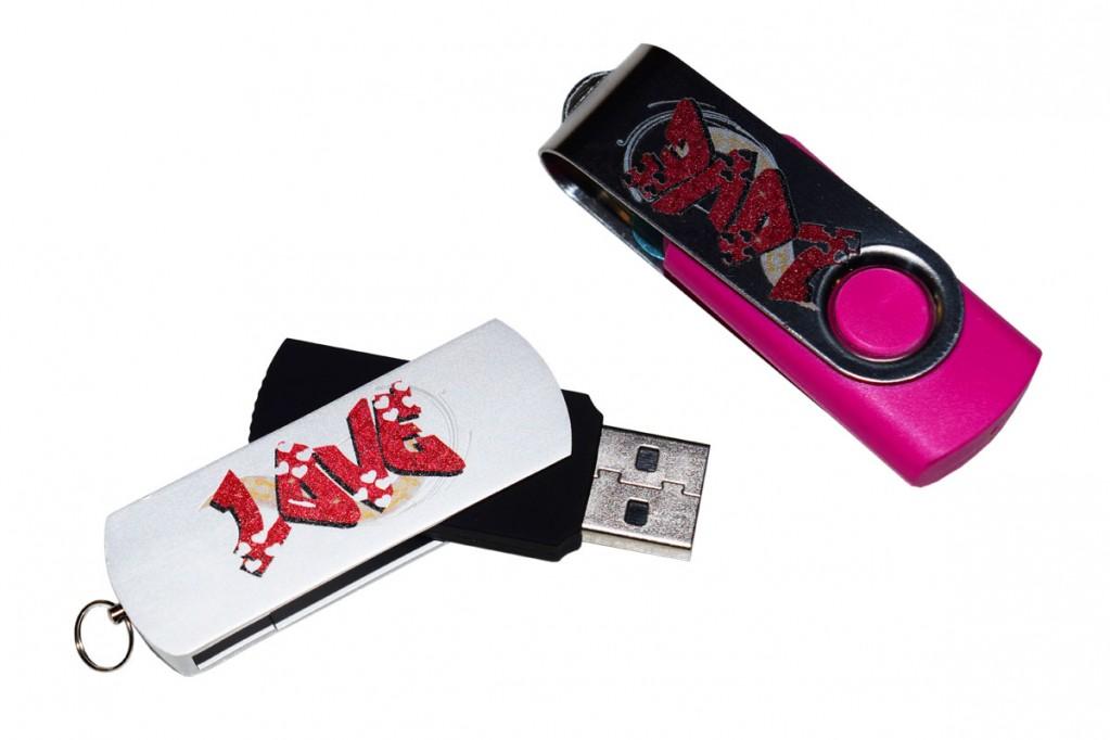 Foto 2 do produto Pen drive giratório 4GB