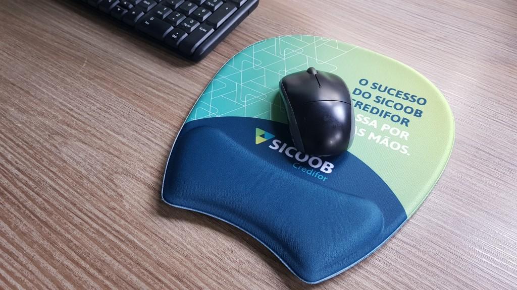 Mouse pad ergonômico ambidestro
